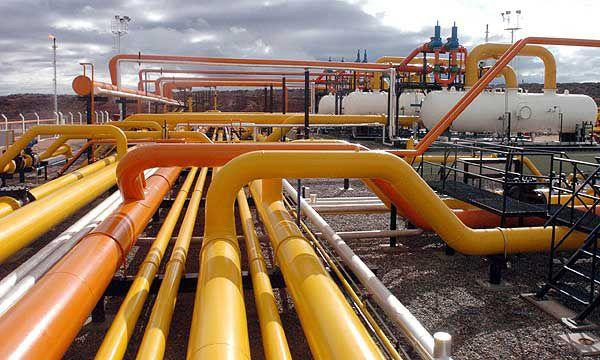 Pipelines and processing gas